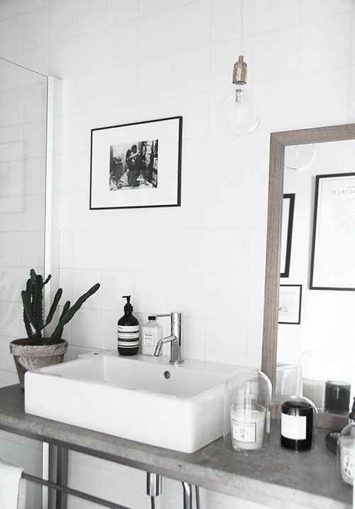 I love this bathroom sink and counter:  a serious sink and enough counter space to put the needed elements on.