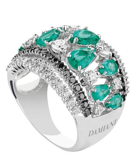 Joyas Damiani - Coleccion Regina Cleopatra - Anillo de oro blanco con diamantes blancos (1,70 ct), diamantes negros y esmeraldas (1,90 ct)