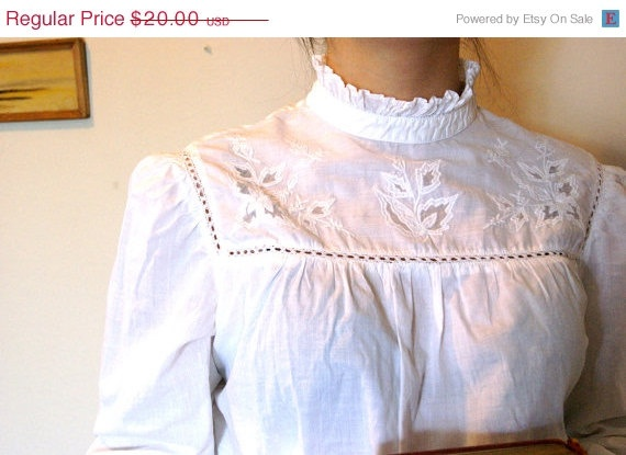 SUMMER SALE Vintage Edwardian Style high collar by TheLifeAndTimes, $16.00