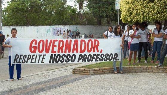 João Pessoa e Campina pagam salários 30% maiores aos professores do que paga o Governo RC