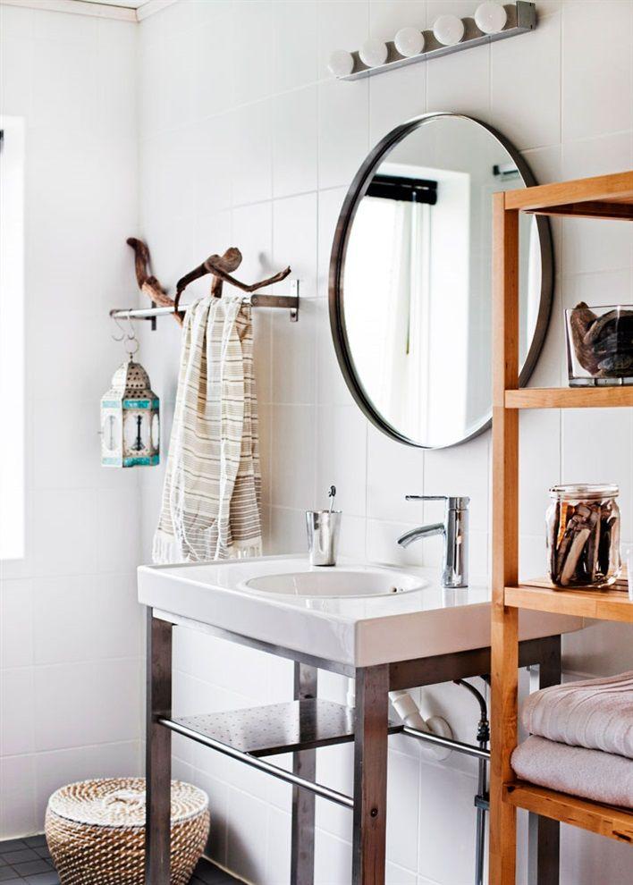 Bathroom, large round mirror