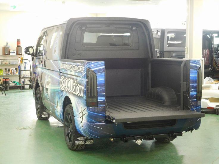 ハイエース ピックアップトラック Wキャブ 荷台保護に塗装式ベッドライナーLINE-X!TOYOTA HIACE