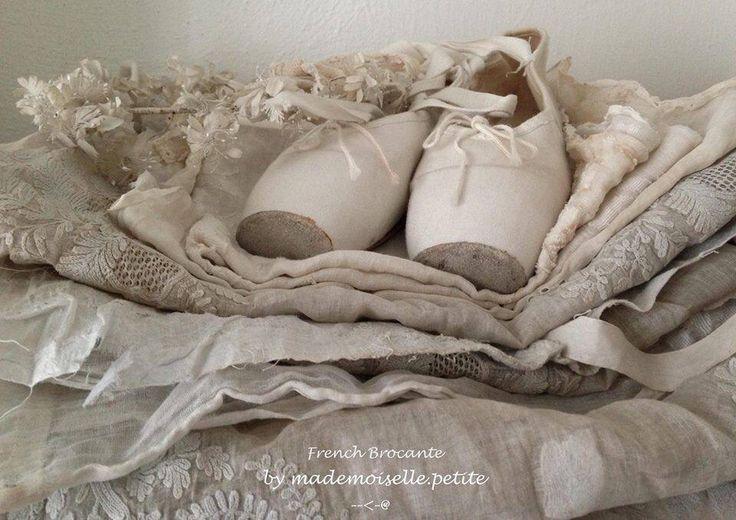 pingl par delphine perpete sarica sur rose poudr pinterest rose poudre ballerine et roses. Black Bedroom Furniture Sets. Home Design Ideas