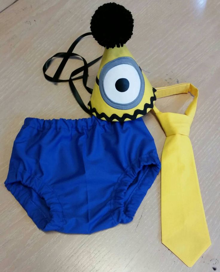 Baby boy cake smash set,  minion inspired cake smash outfit, yellow and blue birthday set by SMPstore on Etsy https://www.etsy.com/listing/233492526/baby-boy-cake-smash-set-minion-inspired