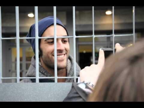 MARCO MENGONI Rimini ore 19.30: chiacchiere con le fans - YouTube