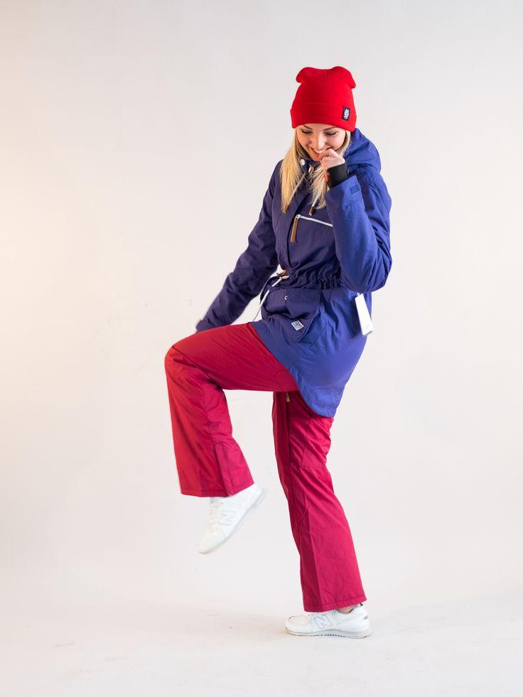 БРЮКИ ЖЕНСКИЕ CLWR STENCIL PANT BURGUNDY очень легкие и удобные для всех активных видов спорта или просто прогулок в морозное время года! Мембрана брюк DEWTECH 10 предоставляет высочайший уровень влагозащиты, воздухообмена и комфорта, что доступно в брюках большинства других брендов по невероятно высоким ценам. Данный материал установил высокие стандарты компании Colour Wear. Вы будете оставаться в абсолютной сухости, тепле и комфорте именно благодаря этому двухслойному материалу, который…
