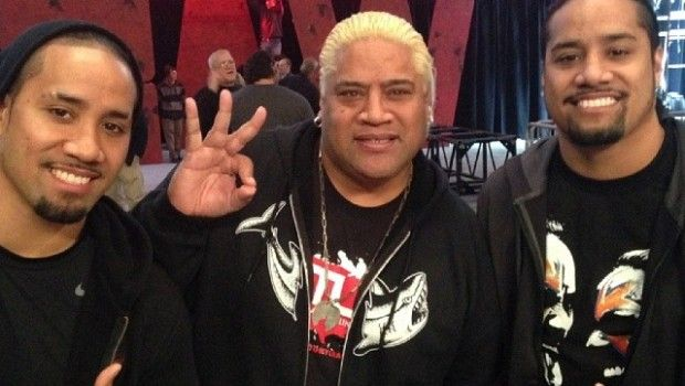 The Usos with their father Rikishi   ( WWE ) The Usos   Pinterest ...
