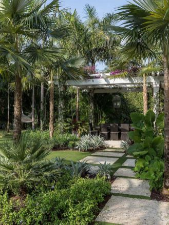 Warm Tropical Backyard Landscaping Ideas (58)