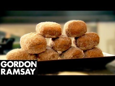 Gordon's Homemade Crumpets - Gordon Ramsay - YouTube