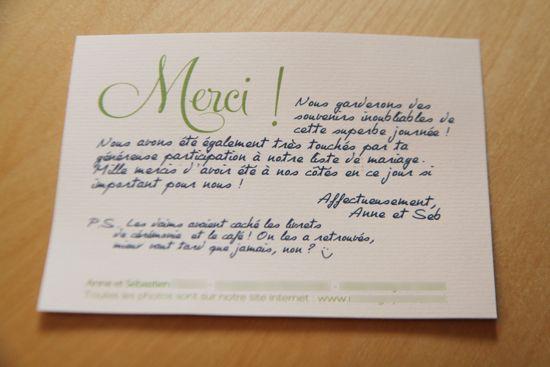 Tu sais combien de temps il nous a fallu pour envoyer nos cartons de remerciements après le mariage ? Pas moins de 4 mois !  Le jour du mariage, je suis montée très très haut dans le ciel, à bord de m