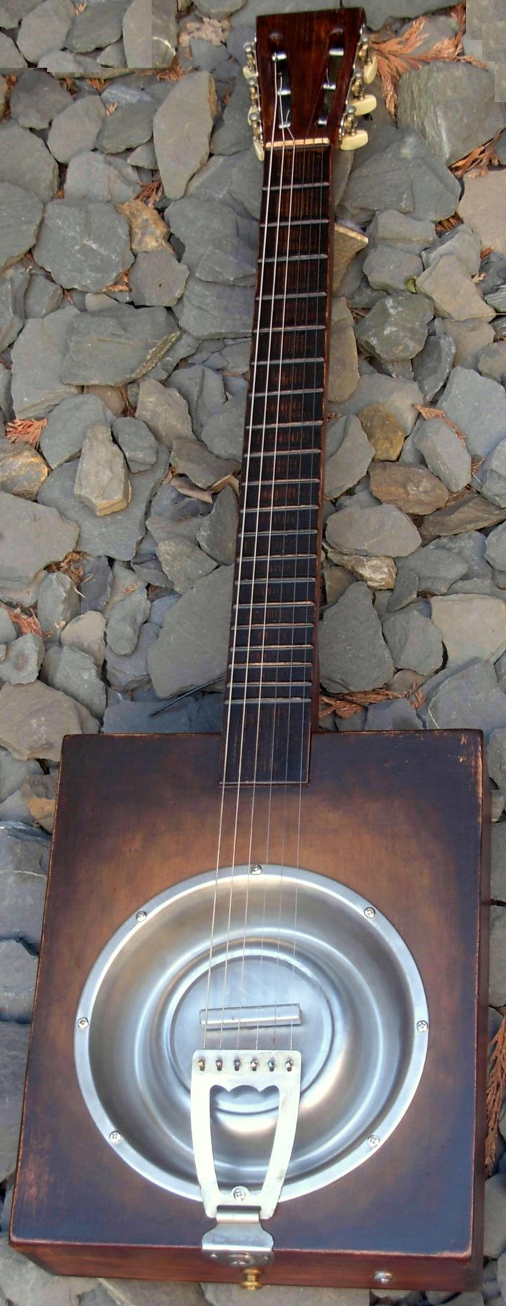 Dog dish resonator wine box Guitar --- https://www.pinterest.com/lardyfatboy/