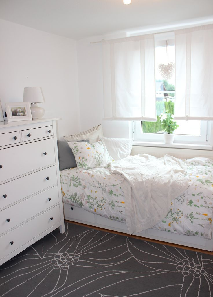 The 25+ Best Ikea Daybed Ideas On Pinterest | Ikea Hemnes Daybed, Spare  Room Ideas Small And Girls Bedroom Curtains