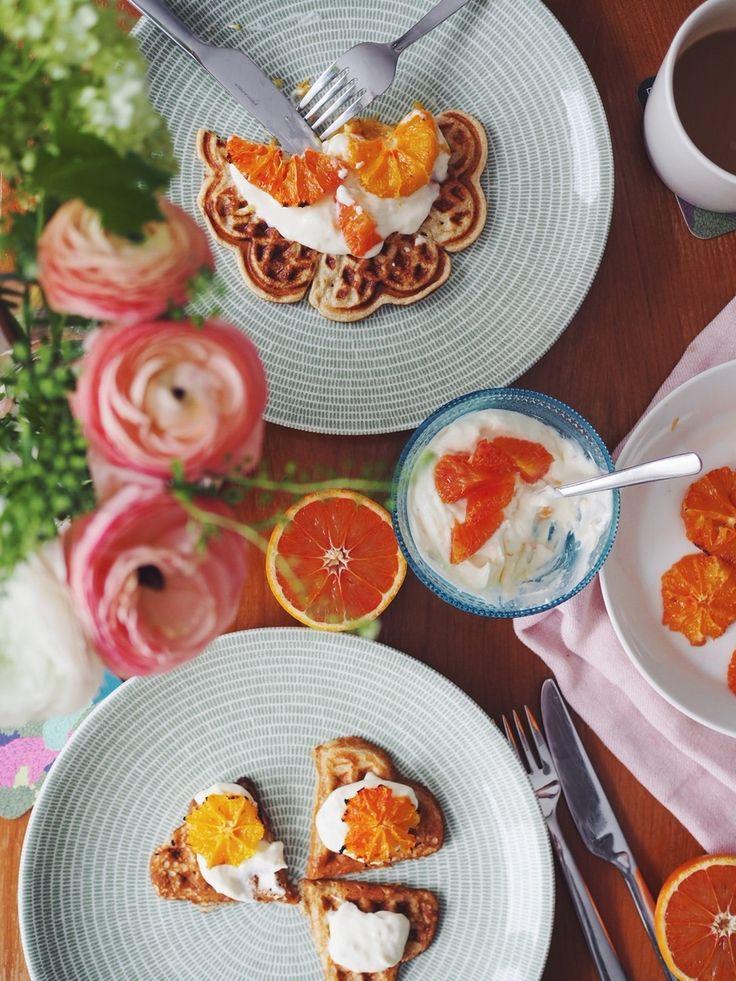Waffles & oven-baked, caramellized blood oranges - Keittiössä, kaupungissa   Lily.fi