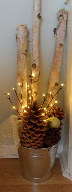 Love this simple holiday decor.