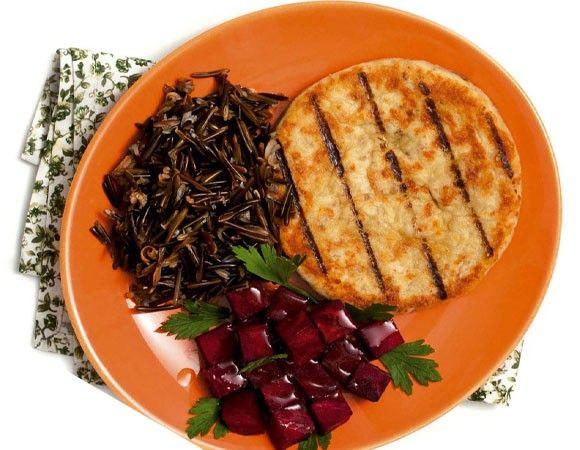 8 dietas para ganhar massa muscular http://corpoacorpo.uol.com.br/dieta/dieta-de-emergencia/dieta-promusculos-promete-corpo-torneado-em-15-dias-sem-academia/musculos-ativar/1714/7