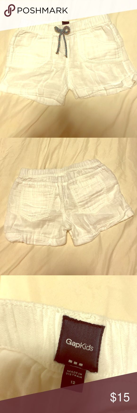 Gap kids white shorts Super cute white shorts size 12 for kids with a rainbow bow on the front Shorts