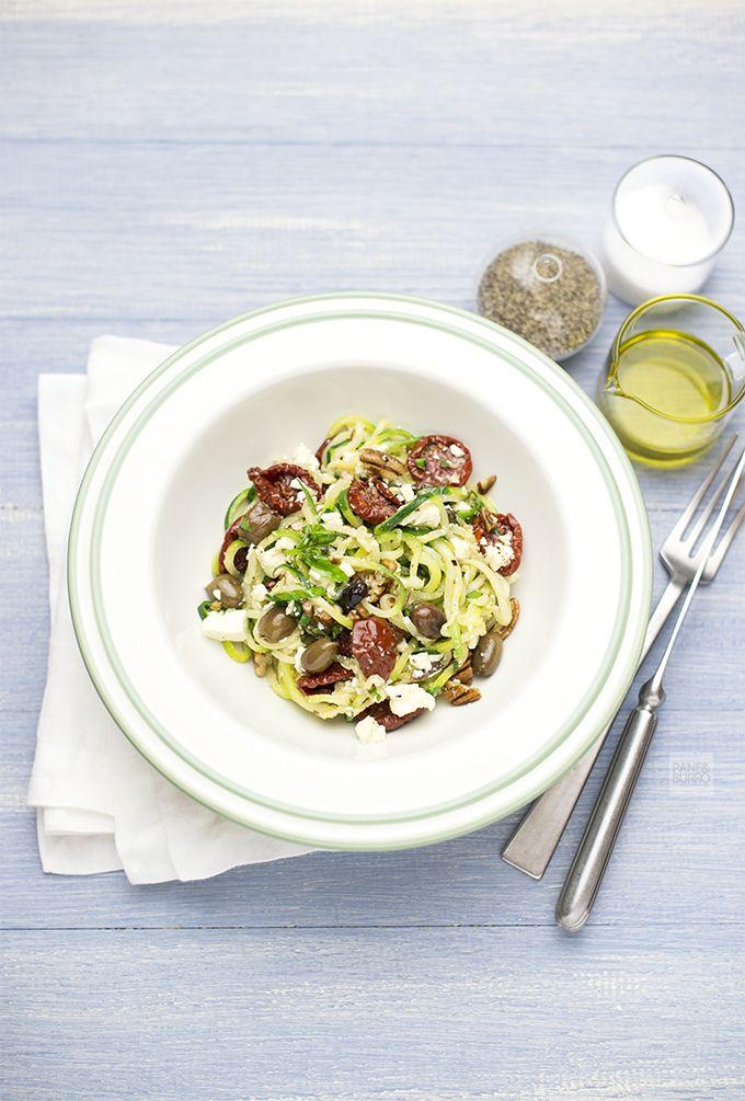 pane&burro: Zoodles: i noodles vegetali [spaghetti di zucchine in insalata alla mediterranea]