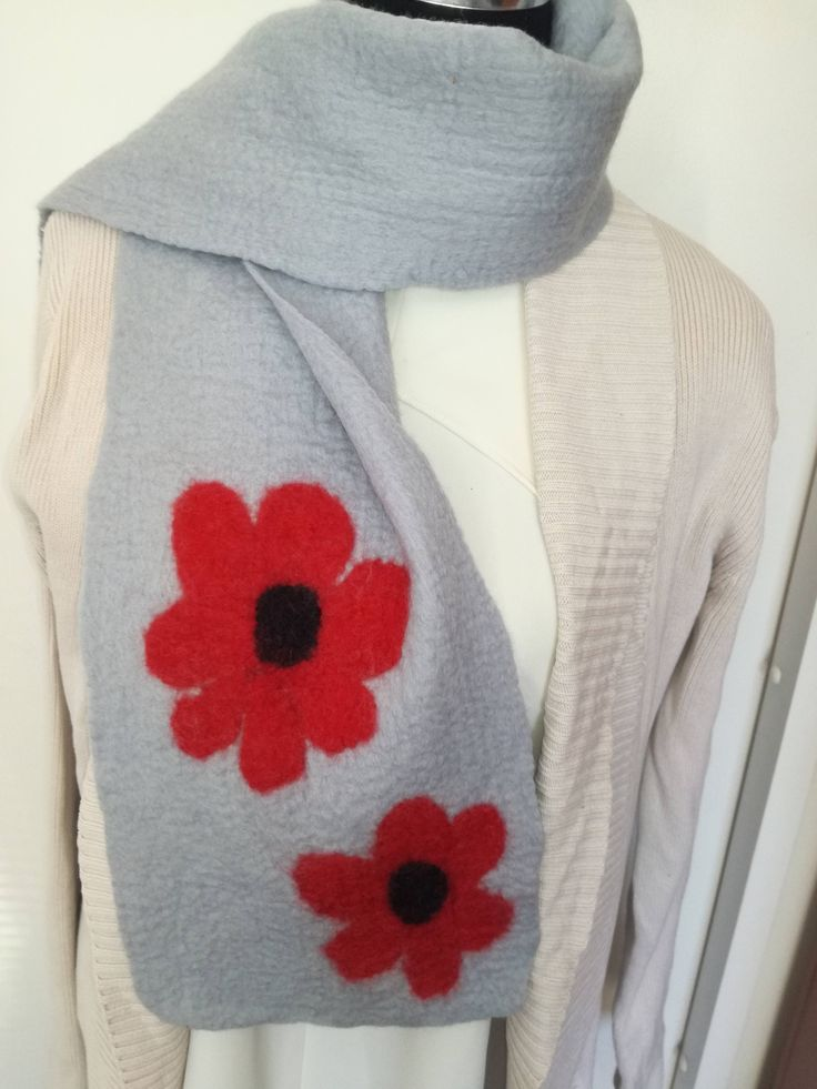 Poppy handmade Merino wool felt scarf. Warm Winter Scarf.  Handmade unique scarf. Great gift. Lightweight and warm, easy to ship. by FeltCreativeNZ on Etsy