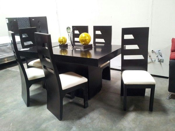 juego de silla y mesas