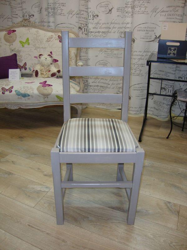 Chaise et cadre ancien relookés