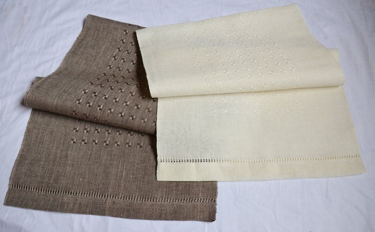 Woven decorative tablecloth