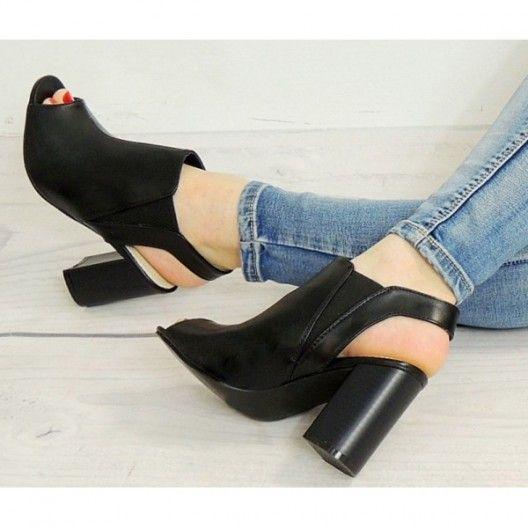 Elegantné čierne sandále pre ženy s otvorenou špičkou - fashionday.eu