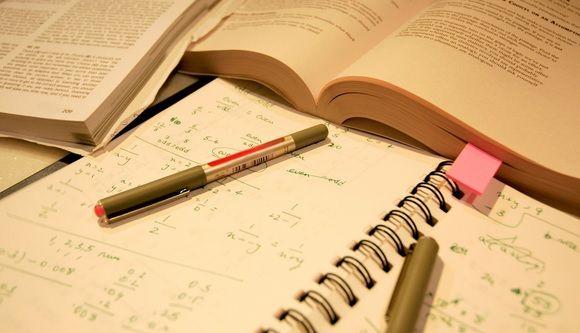 Hepsini Tanıyorsunuz: Daha da Üniversiteye Gelmem Dedirten 15 Akademisyen Tipi