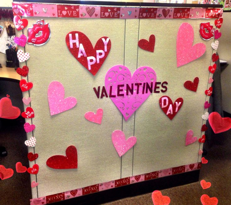 Cubicle decor valentines day valentine 39 s day office for Table design for valentines day