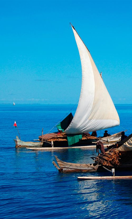 Mozambique enjoys a lengthy coastline on the Indian Ocean at the southeastern tip of Africa #Mozambique