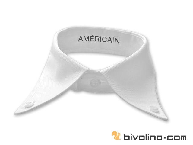 """Col américain. Le col américain est une varainte du col boutonné. Il nous vient tout droit des Etats-Unis comme son nom l' indique. Il se dinstingue par l' écart entre les pointes. Selon la légende, c'est John Brooks qui aurait été à l' origine de cette mode définitivement très populaire aux Etats-Unis. Le col américain Bivolino est porté le plus souvent de façon informelle sans cravate. Il fait partie de la panoplie du """"casual look"""" américain."""