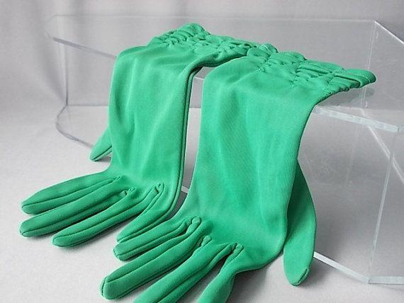 Guanti verdi smeraldo dimensioni 6 x 1/2, accessori donna, guanti Dressy polso increspato, etichetta, guanti inglese estate Vintage anni