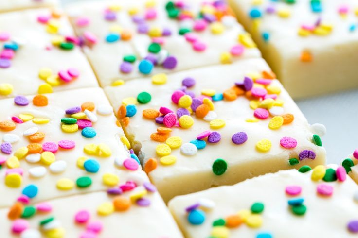 Birthday Cake Fudge... So easy! Just condensed milk, cake batter, white chocolate chips, and sprinkles!