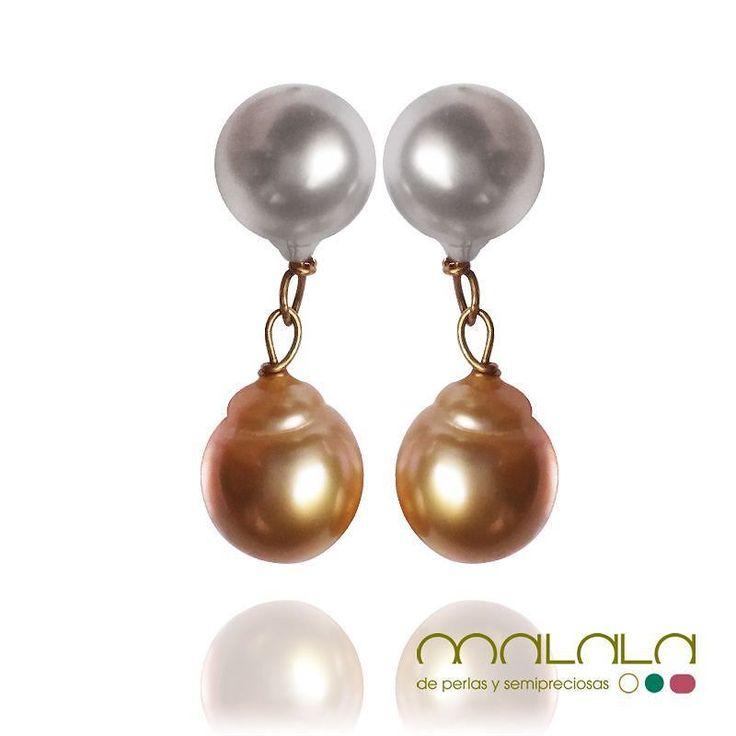 #pendientes montados en #oro amarillo con #perlas australianas blancas y golden barrocas. #earings #gold #pearls #accesories #diseñoExclusivo #elegancia #fashion #femenino #fino #gift #guapa #handmade #hautecouturejewelry #instafashion #jewel #joya #joyeria #joyeriadediseño #ladies #MadeinSpain #madrid #magia #MalalaDePerlas