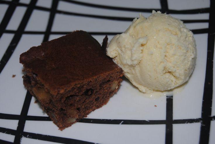 Receta de brownie de chocolate sin azúcar Aquí la receta!: http://dulcesdiabeticos.micd.tecnocampus.cat/receta-brownie-chocolate-sin-azucar/