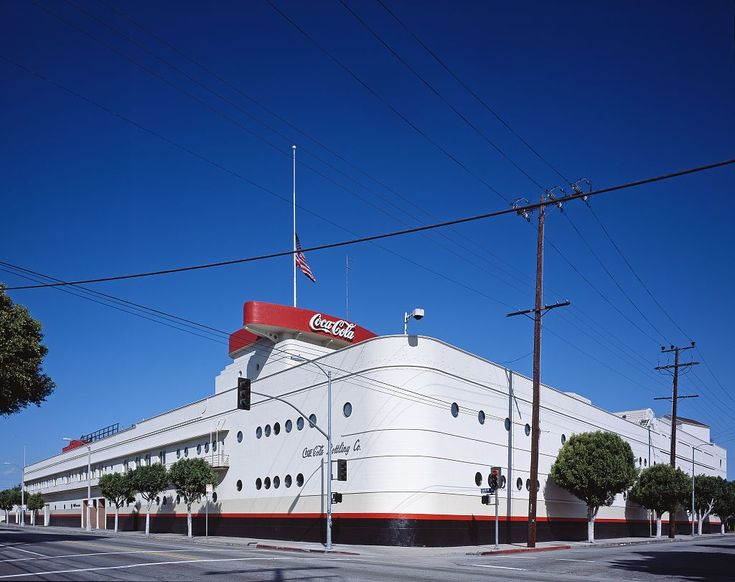 Coca Cola Bottling Plant, Los Angeles, USA (1939)