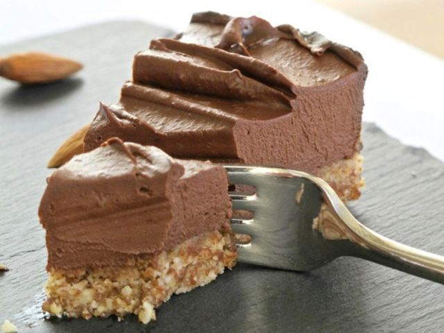 Chocolate Cheesecake (Raw, GF)