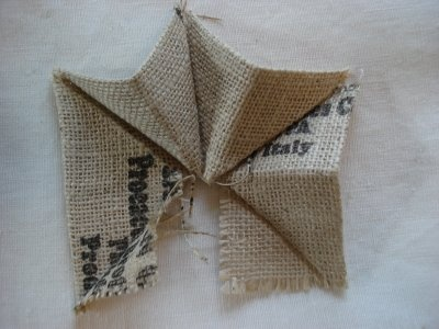 Burlap Star Tutorial - make a bunch and string into a lovely rustic banner