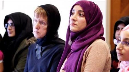 خبرگزاری شبستان - Pesta Teh Persahabatan di Masjid Inggris