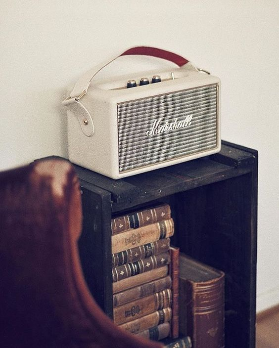 cream marshall amp radio looks so retro