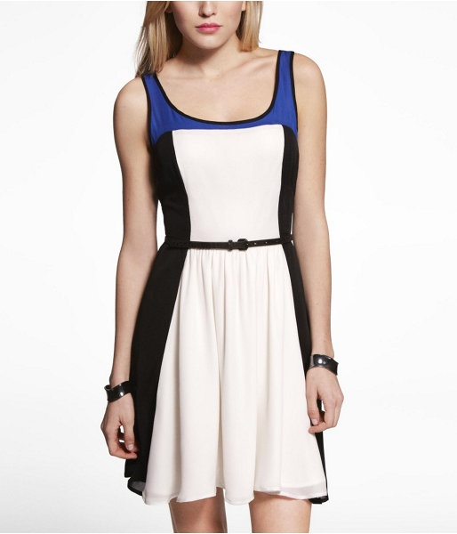Express Womens Color Block Fit And Flare Dress Ivory, 0