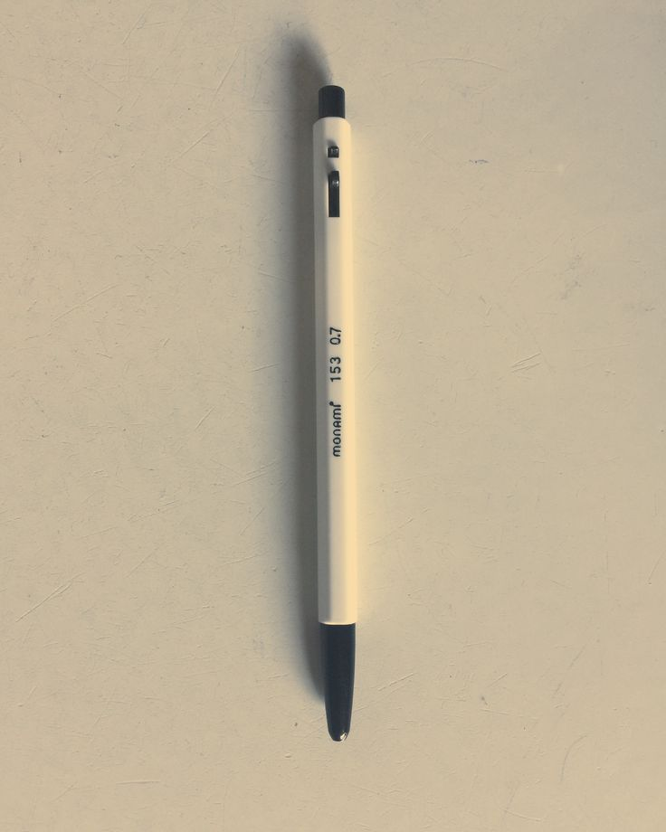 The Monami pen is very typical Korean ball pen just like the Big of France.
