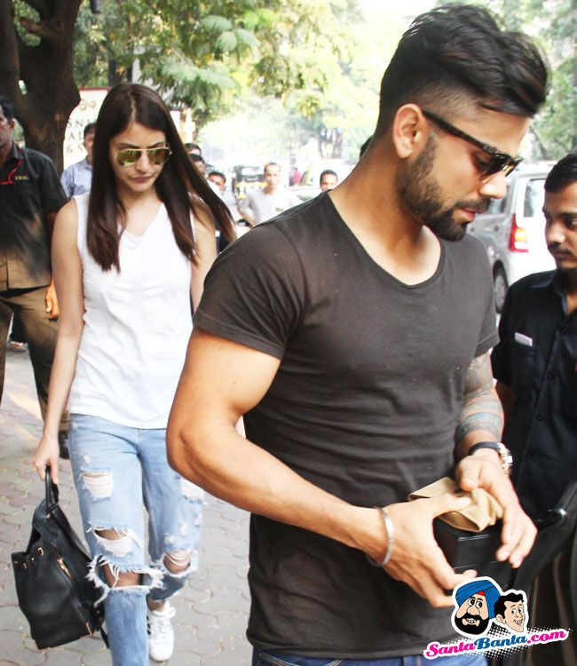 Stars Spotted 2015 -- Anushka Sharma spends time with Virat Kohli and his family i Picture # 320549