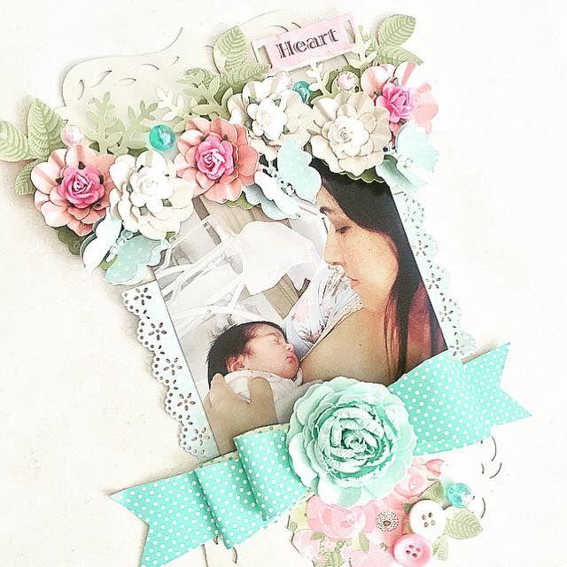 página decorada com flores de papel feita com furadores,adesivos,flor artesanal e papéis decorados