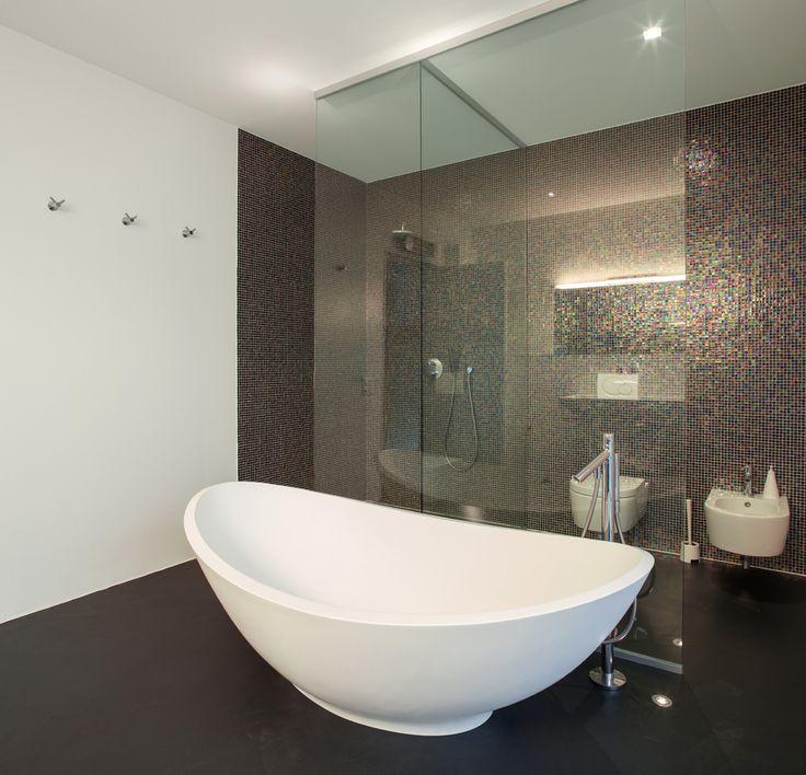 Die Blende verschönert das Waschbecken WOHNEN \ EINRICHTEN - weißes badezimmer verschönern