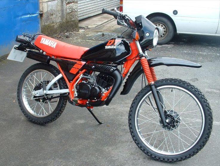 Yamaha DT50MX bromfiets rood zwart