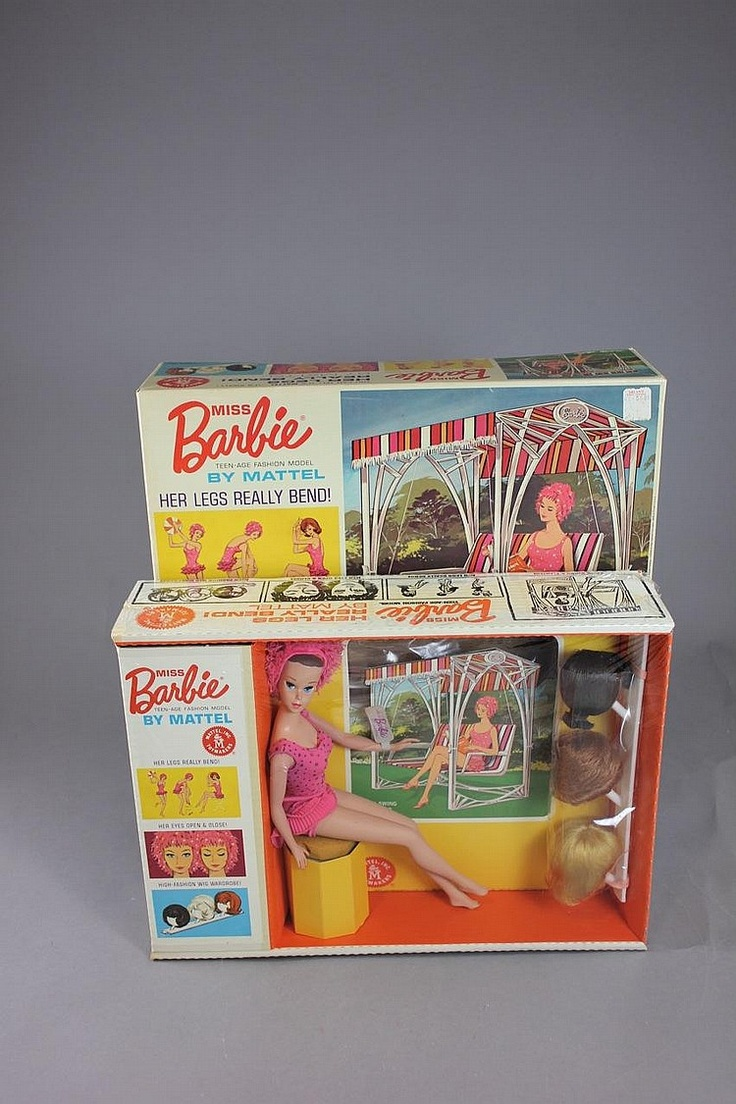 Miss Barbie With Wigs And Yard Swing Gift Set By Mattel