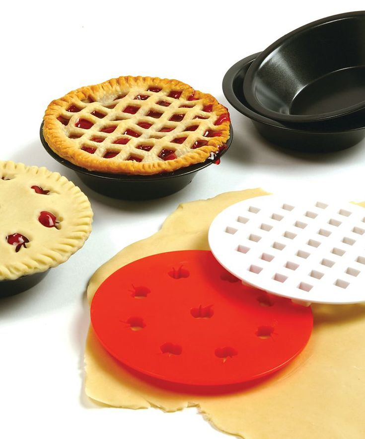 Mini Pie Pan Set - clever cutter for lattice-top pie