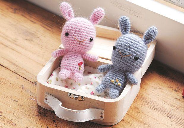 Amigurumi : un lapin En cadeau de naissance ou juste pour le plaisir, on raffole de ces petits animaux au crochet. Découvrez notre tutoriel pour réaliser un amigurumi lapin.
