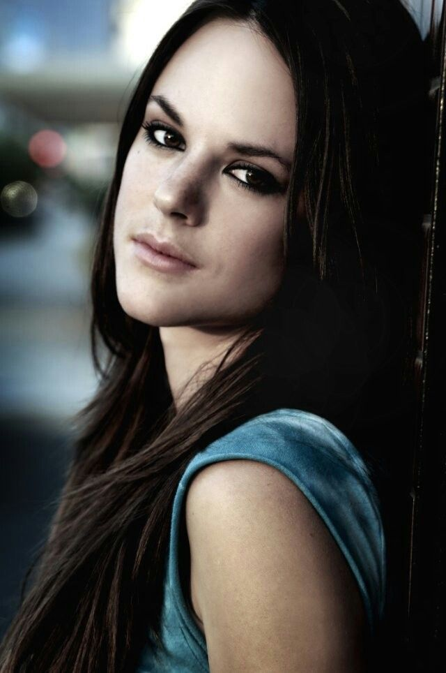 Sarah Butler. American actress. Born Washington, 1985. Best known for the 'I spit on your grave' film series.
