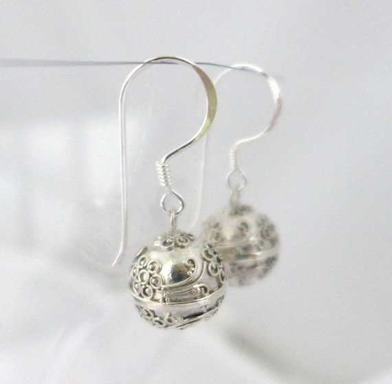 Hey, I found this really awesome Etsy listing at https://www.etsy.com/uk/listing/493387091/cherry-blossom-flower-sterling-silver